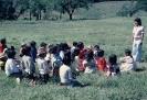 Crianças Caiagangue tendo aula